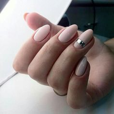 Almond-shaped nails Beautiful evening nails Evening nails Long nails Nail art stripes Nails with stickers Pale pink nails Party nails Almond Nails Designs, Nagellack Trends, Manicure Y Pedicure, Manicure Ideas, Neutral Nails, Blush Nails, Pale Pink Nails, Beige Nails, Sparkle Nails