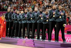 Team USA outlasted Spain in the Gold Medal Game of the 2012 London Olympics. Team Usa Basketball, Basketball Photos, Football, Basketball Court, Nbc Olympics, Summer Olympics, Usa Baby, Nike Workout, Sports Figures