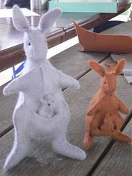 stuffed kangaroo & joey pattern and tutorial... from a cute Australian mum!