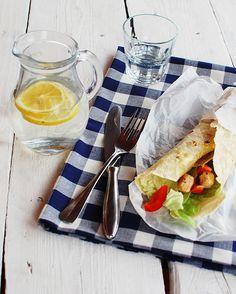 FoodLover: Domácí pšeničná tortilla Dairy, Cheese, Food, Essen, Meals, Yemek, Eten