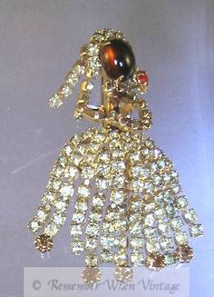 Vintage Hobe Sparkling Rhinestone Dancer Brooch (Image1)