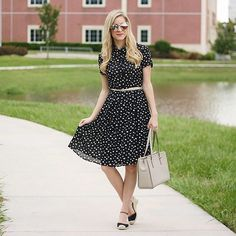 Feeling a little 'retro-chic' in this @nordstrom polka dot dress today on adaydreamlove.com #ontheblog #newpost #ootd