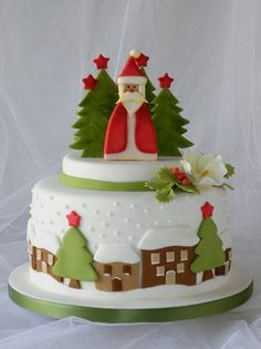 Christmas Fondant Decorations To Make Developing a lovely Christmas cake is simpler than ever with our Christmas cake decorating thoughts and smart Christmas Cake Designs, Christmas Cake Decorations, Fondant Decorations, Christmas Cupcakes, Christmas Sweets, Holiday Cakes, Noel Christmas, Christmas Baking, Xmas Cakes