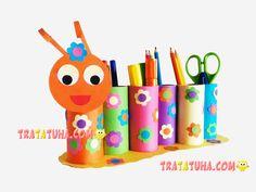 Toilet Paper Roll Caterpillar Pencil Holder Projects for kids Toilettenpapierrolle Caterpillar Bleis Fun Crafts For Kids, Toddler Crafts, Diy For Kids, Toilet Paper Roll Crafts, Cardboard Crafts, Toilet Roll Holder Crafts, Yarn Crafts, Wood Crafts, Diy Crafts