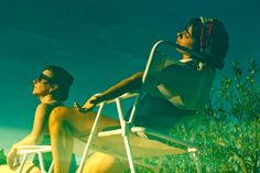 """O cinema argentino dos anos 90, mais especificamente os filmes de Lucrecia Martel, inspiram os espetáculo """"¡Salta!"""", do Coletivo Teatro Dodecafônico. Com direção de Verônica Veloso, a peça entre em cartaz no dia 18 de janeiro, às 20h, no Sesc Santo Amaro."""