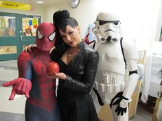 I used to think this was someone's insanely good cosplay until one day I finally realized it was Lana visiting a children's hospital.