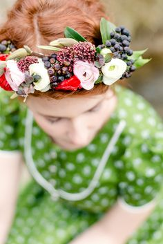 Oktoberfest Hair, Oktoberfest Costume, Dirndl Dress, Looking For Women, Braided Hairstyles, Designer, Looks Great, Hobbies, Costumes