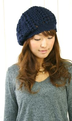 Japanese version available here. Both English and Japanese versions are fully charted using standard knitting and& crochet symbols. Bonnet Crochet, Crochet Beret, Crochet Hat For Women, Mode Crochet, Crochet Cap, Crochet Woman, Knitted Hats, Japanese Crochet Patterns, Fingerless Gloves Crochet Pattern