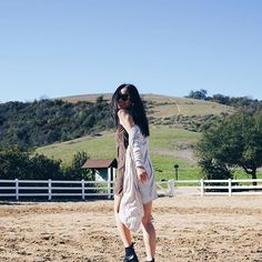 Michelle (@runwayonthego) Let the weekend adventure begin! #dressabelle #nature #hiking #ootd #fashionblogger #wiw
