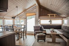 Low Budget Home Decoration Ideas Key: 9474604516 Cabin Loft, Tiny House Cabin, Tiny Loft, Backyard Office, Small House Design, Cottage Interiors, House In The Woods, Little Houses, House Rooms