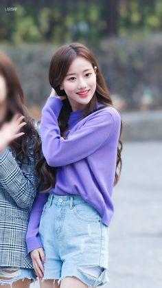 Fashion Tag, Kpop Fashion, Daily Fashion, Fashion Outfits, Oh My Girl Jiho, Korean Makeup Look, Korean Fashion Trends, Hey Girl, Celebs