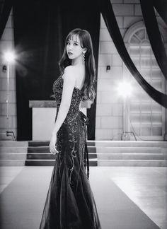TWICE - Dreamday Dress photobook scans. Nayeon, The Band, K Pop, Asian Woman, Asian Girl, Sana Momo, Jihyo Twice, Myoui Mina, Dahyun