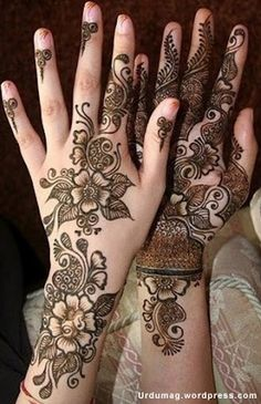 Henna Tattoo http://art-hennatattoo.blogspot.com/2010/06/henna-designs-arabic-of-pakistani.html