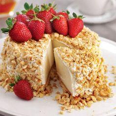 """52 Beğenme, 1 Yorum - Instagram'da Lezzet Dergisi (@lezzet_dergisi): """"Fındıklı ve çilekli irmik pastası 2 paket yulaflı bisküvi 50 g tereyağı 1 litre süt 9 yemek kaşığı…"""""""