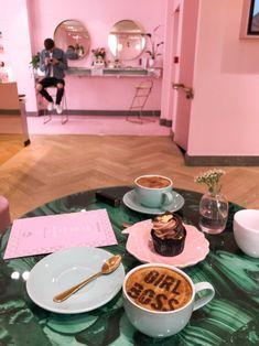 PL/ENG – Spectrum London – coffee & make-up heaven Cafe Design, Store Design, Bakery Design, Design Design, Rustic Coffee Shop, Starting A Coffee Shop, Beauty Room Salon, Home Nail Salon, Salon Interior Design