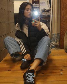 Blackpink Jennie, Jennie Kwon, Yg Entertainment, South Korean Girls, Korean Girl Groups, Mode Ulzzang, Jenny Kim, Blackpink Photos, Pictures