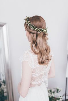 Delicate Flower Crown | Bridal Separates From Atelier Twardowska | Delicate Botanical Shoot | Images by Paulina Weddings | http://www.rockmywedding.co.uk/delicate-botanical-shoot-gorgeous-bridal-separates/