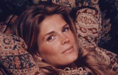I grew up watching Candice Bergen. In the movies and in magazines.you never had to look far. I don't think I will ever forget her, Jac. Candice Bergen, Up The Women, Northern Girls, Katharine Ross, My Favorite Year, Sexy Librarian, Timeless Fashion, Timeless Elegance, World Of Fashion