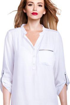 Biela dámska košeľa k jari jednoducho patrí, skvelo sa hodí k teniskám, ale i k elegantným nohaviciam! Modeling, Jar, Buttons, Women, Fashion, Moda, Modeling Photography, Fashion Styles, Models