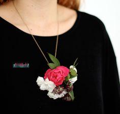 Fashioned-florals-pendant-corsage6