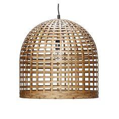光にこだわりを持つ北欧のインテリアショップでよく見かける竹を編んだデザインのランプです。バンブーの間から漏れる光はとてもやさしく温かです。とてもアジアンなデザインに見えますが、北欧テイストのお部屋にも合います。サイズ Φ45×H45cm素材 竹※ところどころ竹が飛び出しているところがありますが良品です。ご考慮のうえ、ご購入ください。
