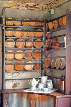 Antik tallrikshylla, plate shelf, plates, wood