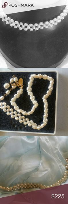 "TAKING BEST OFFER. VINTAGE MIRIAM HASKELL NECKLACE TAKING BEST OFFER.Needs to go.   RARE DESIGNERS BAROQUE PEARLS NECKLACE. UNIQUE DESIGN SIGNED.  COLLECTERS  ITEM. MEASURES 14"" FROM END TO END OF NECKLACE. EX.COND. Miriam Haskell Jewelry Necklaces"