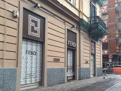 #Vomero: la #crisi del #commercio #aggredisce anche le #griffe - http://go.shr.lc/1LZyWJj @ReportCampania
