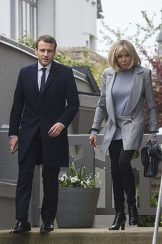 Emmanuel and Brigitte Macron head to the polling station in Le Touquet to cast their votes in the first round of the Presidential election on 23 April 2017