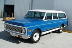 1972 Chevrolet Suburban 2500