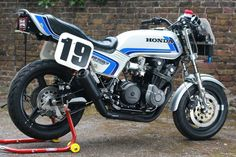 "cool machine ""CB750F"" made by American HONDA"