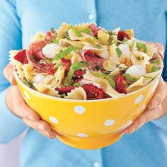 Forget delivery this Pizza Pasta Salad has everything you need