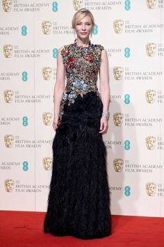 """Premios BAFTA 2016: """"Cate Blanchett, nominada a mejor actriz principal por su trabajo en Carol, posó espectacular con un diseño de Alexander McQueen."""""""