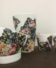 Vaza din sticla este decorata manual, prin tehnica decorativa a servetelului. Este rezistenta la apa, astfel încât nu serveste doar ca decor ci pote fi întrebuințata. Inaltimea de 30 cm. La cerinta clientului se pot realiza cu alte modele florale sau cu motive traditionale. Mugs, Tableware, Floral, Jars, Dinnerware, Tablewares, Florals, Mug, Place Settings