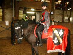 Verkleed paardrijden manege Houben carnaval 2013