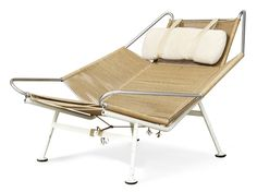 Holy smokes this looks comfy!  Flag Halyard Chair by Hans J.Wegner #Chiar #Flag_Halyard_Chair #Hans_Wegner