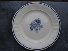 Beautiful Swedish collectible dinner plate from Rorstrand HAGA  Pattern / collectible home decor