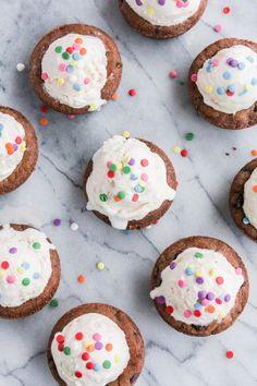 Confetti Cake Ice Cream Cookie Cups | The Chef Next Door #ad @hudsonvilleic
