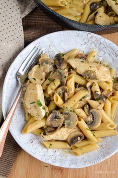 Slimming Eats - Slimming World Recipes Syn Free Creamy Chicken and Mushroom Pasta Slimming Eats - Slimming World Recipes Ww Recipes, Pasta Recipes, Chicken Recipes, Dinner Recipes, Cooking Recipes, Healthy Recipes, Healthy Dinners, Free Recipes, Mushroom Pasta