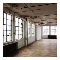 """anideallength: """" Flashback to the windows in this space. (at Northrup King Building) """" Lofts, Room Interior, Interior Design, Interior Livingroom, Blue Sargent, Design Industrial, Industrial Style, Decoration, Living Spaces"""