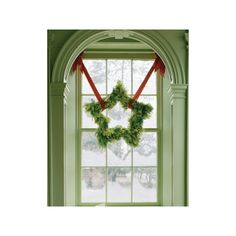 Christmas decor- pink and green ❤ liked on Polyvore featuring home, home decor, holiday decorations, pink flamingo home decor, christmas home decor, christmas wreath, green home decor and star home decor