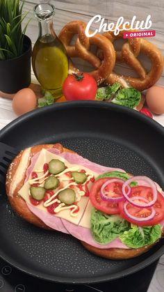 Healthy Make Ahead Breakfast, Clean Eating Breakfast, Homemade Breakfast, Easy Egg Recipes, Healthy Sandwich Recipes, Easy Healthy Recipes, Enjoy Your Meal, Food Videos, Pretzel Recipes
