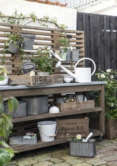 DIY Potting Bench Plans & Ideas To Beautify Your Garden – garden design Potting Bench Plans, Potting Tables, Potting Sheds, Outdoor Potting Bench, Back Gardens, Outdoor Gardens, Design Jardin, Garden Planning, Garden Projects