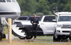 """Tom, we can take my private jet."" And boom, just like that, Calvin's left in the dust! #TaylorSwift #TomHiddleston"