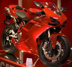 oooooo.....Ducati Sports Bike GORGEOUS RED