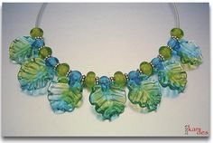 Lisa Kan Designs: Publications 1000 Glass Beads