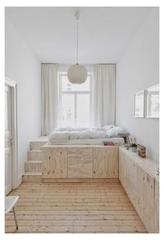 Bedroom Storage For Small Rooms, Small Bedroom Ideas For Couples, Small Room Design Bedroom, Small Apartment Bedrooms, Small Master Bedroom, Room Ideas Bedroom, Home Room Design, Small Apartments, Bed Design