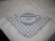 Bernideen's Tea Time Blog: Collecting Vintage Linens
