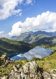 Engstlensee - Die schönsten Bergseen der Schweiz Beautiful Places In The World, Summer Travel, Science And Nature, Amazing Nature, Nature Photos, Vacation Spots, Cool Places To Visit, Travel Photos, Travel Inspiration