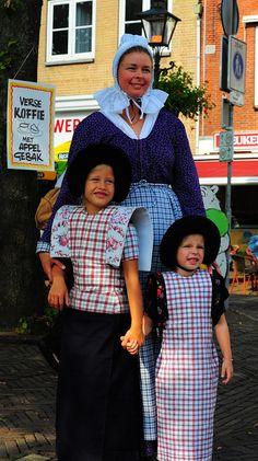 mama etite web sz by klavier_girl, via Flickr #Utrecht #Spakenburg